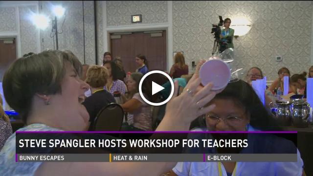 Steve Spangler Hosts Workshop for Teachers